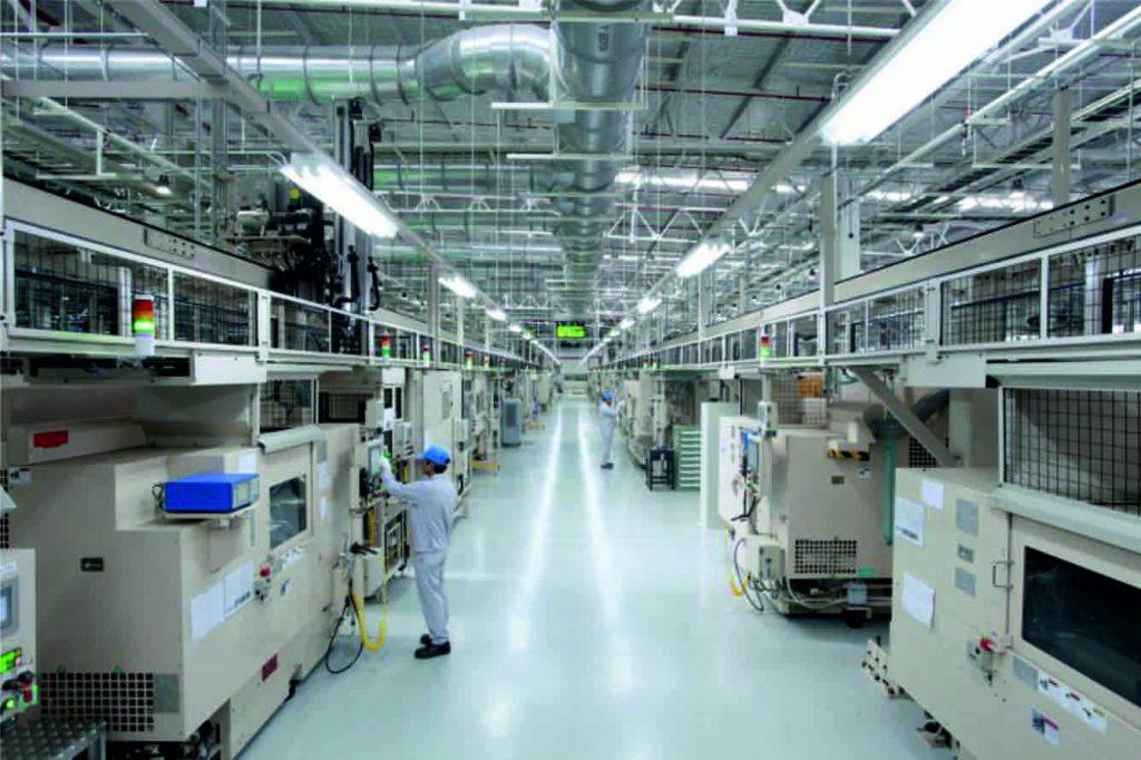 machine shop, machine shop conveyor, machine shop handling system, gantry robot, load and unload machine, pick and place, pick and place machine